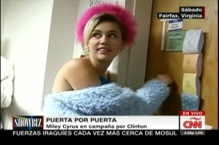 Miley Cyrus hace campaña por Hillary Clinton vestida de Agatha Ruiz puerta a puerta