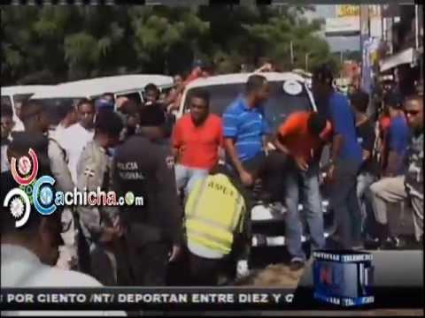 Choferes Bloquean Puente En Santiago #Video