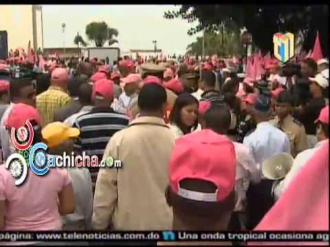 Marcha En Camisa Rosada Contra La Violencia De Género #Video