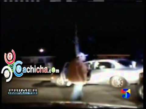 Un tiguere  se killa y le entra a tiros a policías.#Video