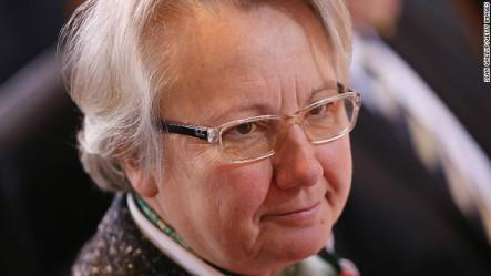 La Ministra De Educación De Alemania Pierde Su Doctorado Por Plagio