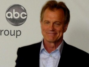 Actor Stephen Collins admite que abusó de menores de edad