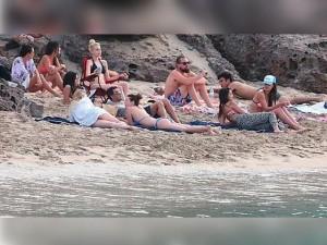 Leonardo DiCaprio recibió 2015 rodeado de mujeres