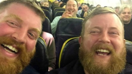 Hombre Encuentra A Su Doble Exacto En Un Avión