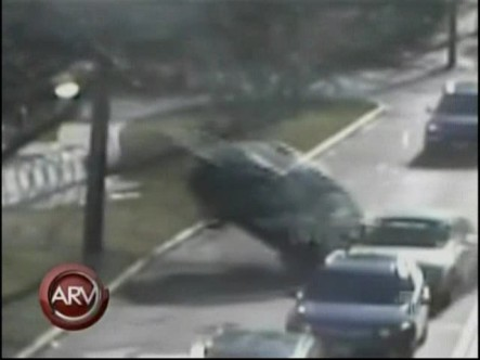 Doctora borracha y drogada protagoniza un aparatoso accidente en Boston #Vídeo