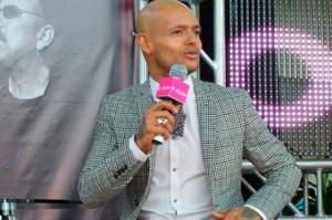 """El cantautor anunció que el 19 de marzo lanzará su nuevo disco, """"Vida""""."""