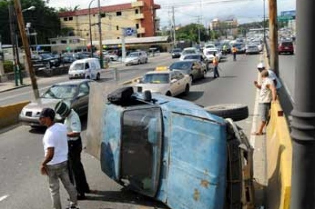 Siete personas mueren en accidentes; 13 resultan heridas