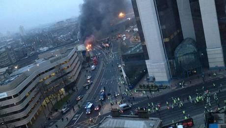 Helicóptero se estrella en Londres