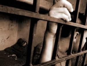 Prisión Para Padre Quien Estrelló Hijo Contra Pared