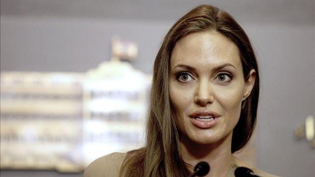 Angelina Jolie se extirpará ahora los ovarios