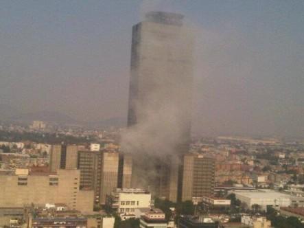 México: Explosión En La Sede Central De La Petrolera Pemex Deja Varios Heridos