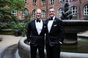 Embajador estadounidense en Dinamarca se casa con compañero