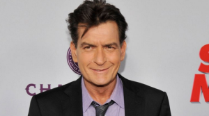 Charlie Sheen es la estrella de Hollywood con HIV