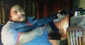 Usan montacargas para transportar traficante de armas dominicano que pesa 500 libras