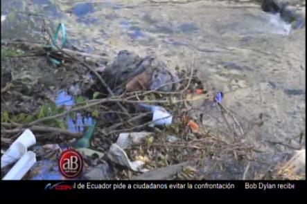 Codigo Calle:  El Recorrido Del Yaque Del Norte (Una Cloaca Abierta)