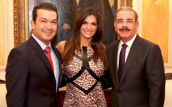 Bárbara Bermudo y Mario Andrés Moreno visitan al presidente Medina