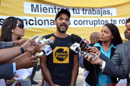 Ciudadanos Reclaman La Destitución De Marino Vinicio Castillo (Vincho)