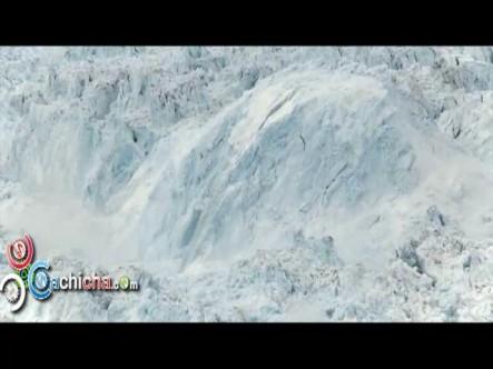 El mayor desprendimiento de un iceberg jamás filmado #Vídeo
