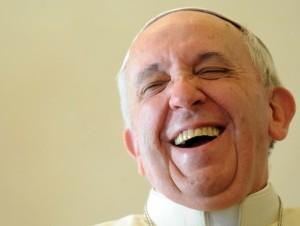 El papa se rie