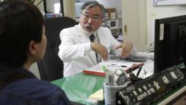 El polémico médico coreano que decidió desafiar a Dios
