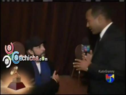 En El Camerino de @JuanLuisGuerra #alfrombraVerde #Latingrammy 2012 #Vídeo