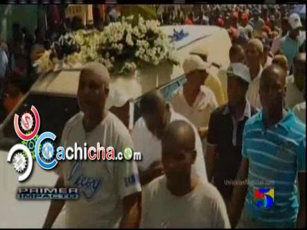 Familiares Y Amigos Le Dan El último Adiós Al Ex-Pelotero Cutá Pérez #Vídeo