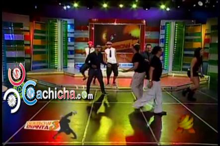 @Danielsarcosc Pone A Bailar A Todo El Elenco De @Sehablaespanol7 El Baile Del Caballo #Vídeo
