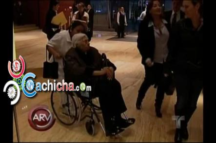 """Abuelita De Thalía Dice Que Sus Hijas Están """"locas"""" #Vídeo"""