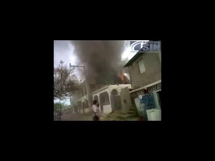 Incendio En Los Alcarrizo #Vídeo
