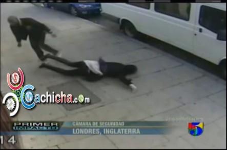 Hombre Golpea Con Fuerza A Una Mujer En La Cabeza #Vídeo