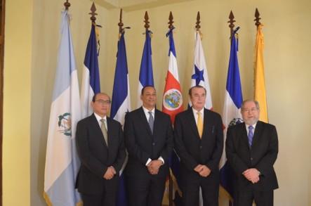 Luis Armando Asunción Encabeza Reunión De Organismo Regional En Nicaragua
