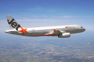 Piden a los pasajeros de un avión que se deshagan de sus drogas