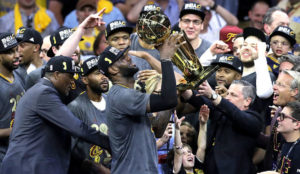 LeBron-James-levanta-NBA-companeros_6827600