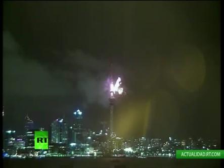 Nueva Zelanda Recibe El Año Nuevo 2015 #Video