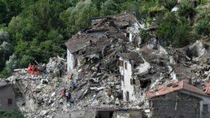 Nuevo-temblor-causa-más-derrumbes-en-Italia