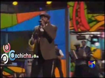 Presentación de Juan Luis Guerra – En El Cielo No Hay Hospital #Latingrammy 2012 #Vídeo