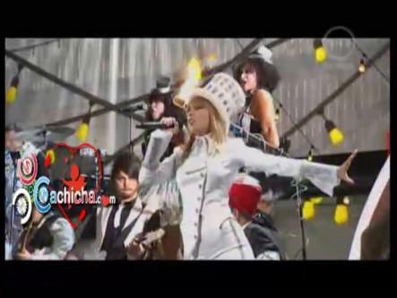 Presentación De Taylor Swift En Los Grammys 2013