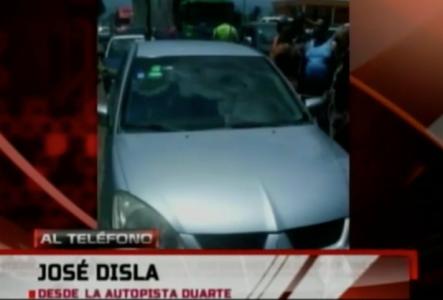 Encuentran El Cuerpo Sin Vida De Un Hombre En La Autopista Duarte Dentro De Un Vehículo