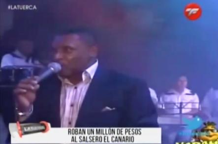 Le Roban Un Millón De Pesos Al Salsero El Canario #Video