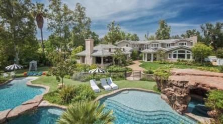 Ésta Es La Casa Que Eligió Angelina Jolie Para Vivir Con Sus Hijos Y Sin Brad Pitt