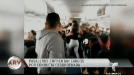 Mira Esta Batalla Campal De Unos Pasajeros Dentro De Un Avión