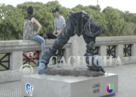 Se Robaron Una Estatua De Lionel Messi Y Esto Fue Lo Que Dejaron
