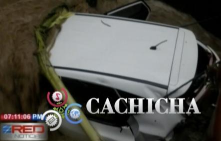 Vehículos Son Arrastrados Por Las Corrientes De Aguas En Puerto Plata
