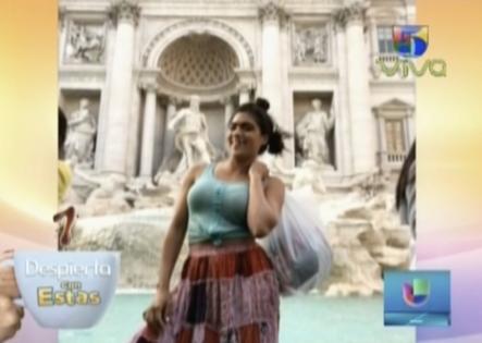 Francisca Lachapel Anda De Turista Por Italia