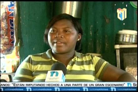 Una Familia Que Viven En Altos De Chavon (Boca Chica) Sobreviven Sin Documentos