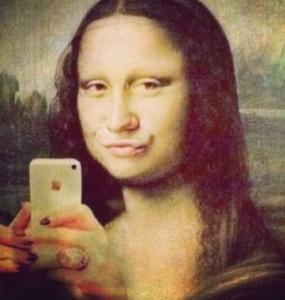 Exceso de 'selfies' podría ser señal de falta de sexo en las personas