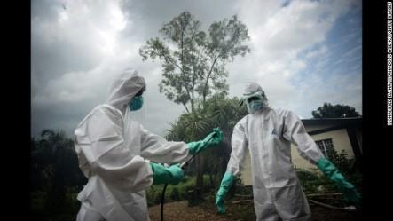 Dos Trabajadores Sanitarios Se Curan Del Ébola Tras Recibir El Suero Experimental