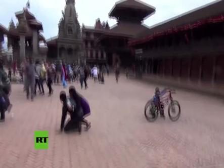 Revelan Video De Turista Cuando Se Empezaron A Destruir Los Templos Por Terremoto En Nepal #Video