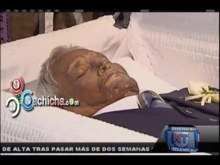 Velatorio Del Papá Del Salsero José Alberto 'El Canario' #NoticiaTelemicro #Video