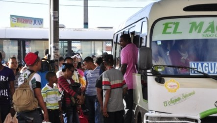 Cientos De Viajeros Continúan Abandonando La Capital Con Motivo Festividades Año Nuevo